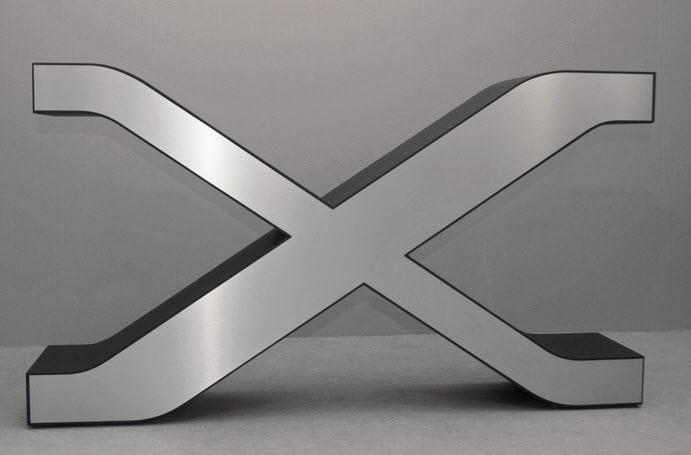 3d logo styropor mit metallfront