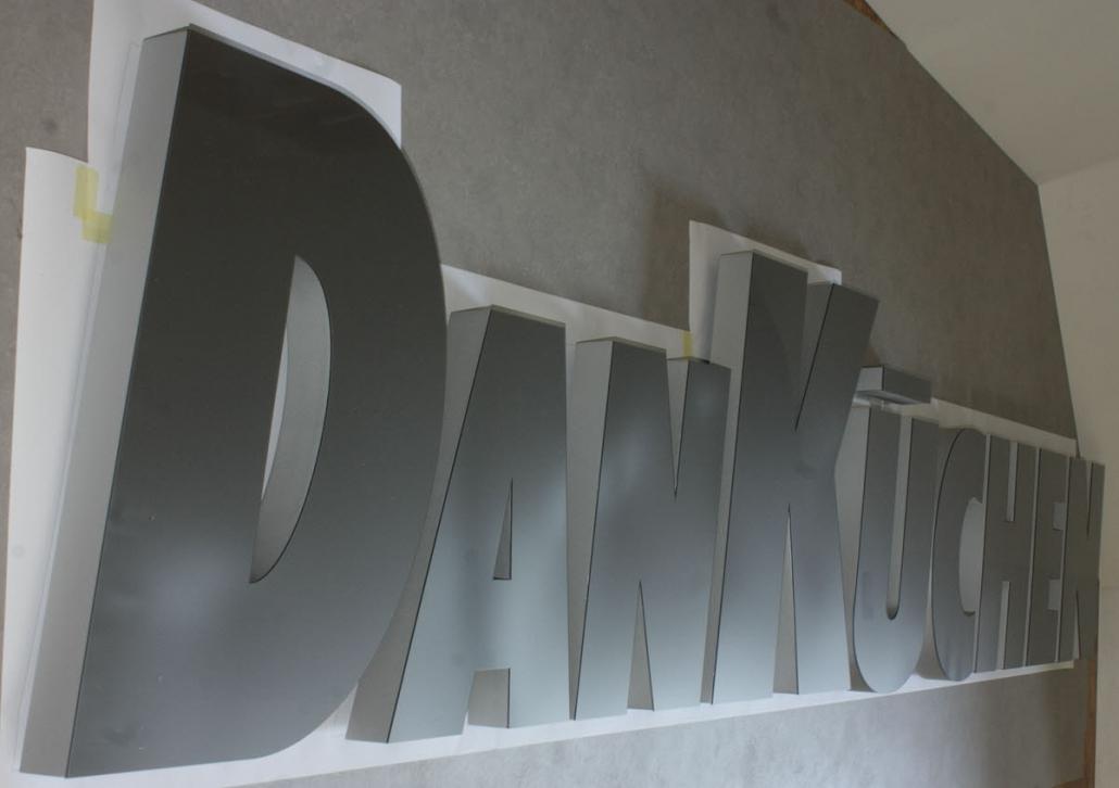 3d buchstaben aus hartschaum mit acrylglas
