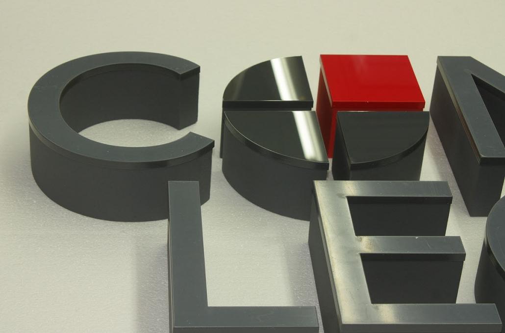3d buchstaben aus styrodur und acrylglas