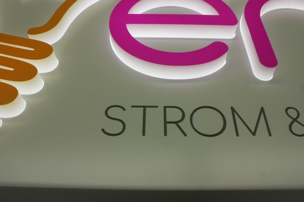 Leuchtschilder & Lichtwerbekästen, Detail Durchstecker LED Buchstabe