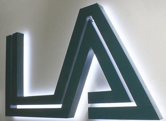 3D Buchstaben Profil 3 Aluminium, Rückleuchter