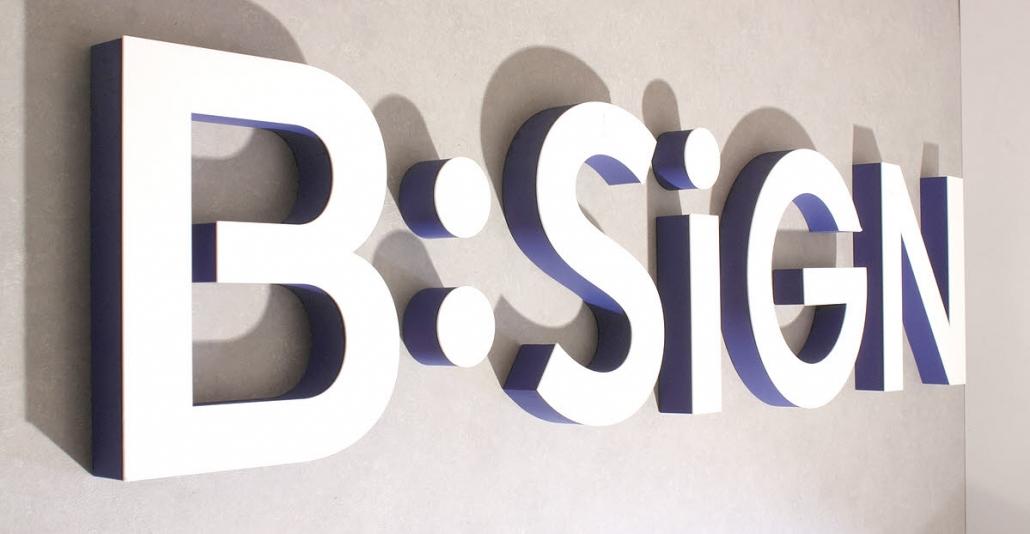 3D Logo aus XPS Hartschaum mit Acrylglasfrontbelag