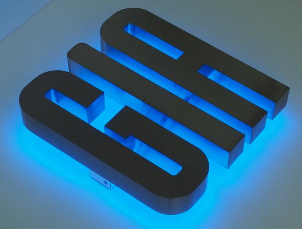 3D LED Buchstaben, Profil 3 Edelstahl, Rückleuchter, LED Blau
