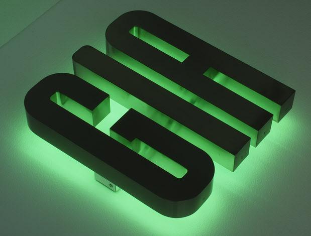 3D LED Buchstaben, Profil 3 Edelstahl, Rückleuchter, LED Grün