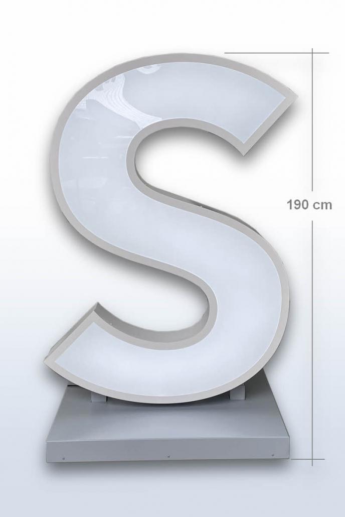 XL 3D LED Buchstabe Profil 4 als Aufsteller